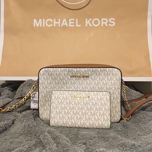 c814ab3128bf Michael Kors Selma vanilla acorn Two piece Michael Kors east west purse  with wallet East west Michael Kors bag with slim bifold wallet ...